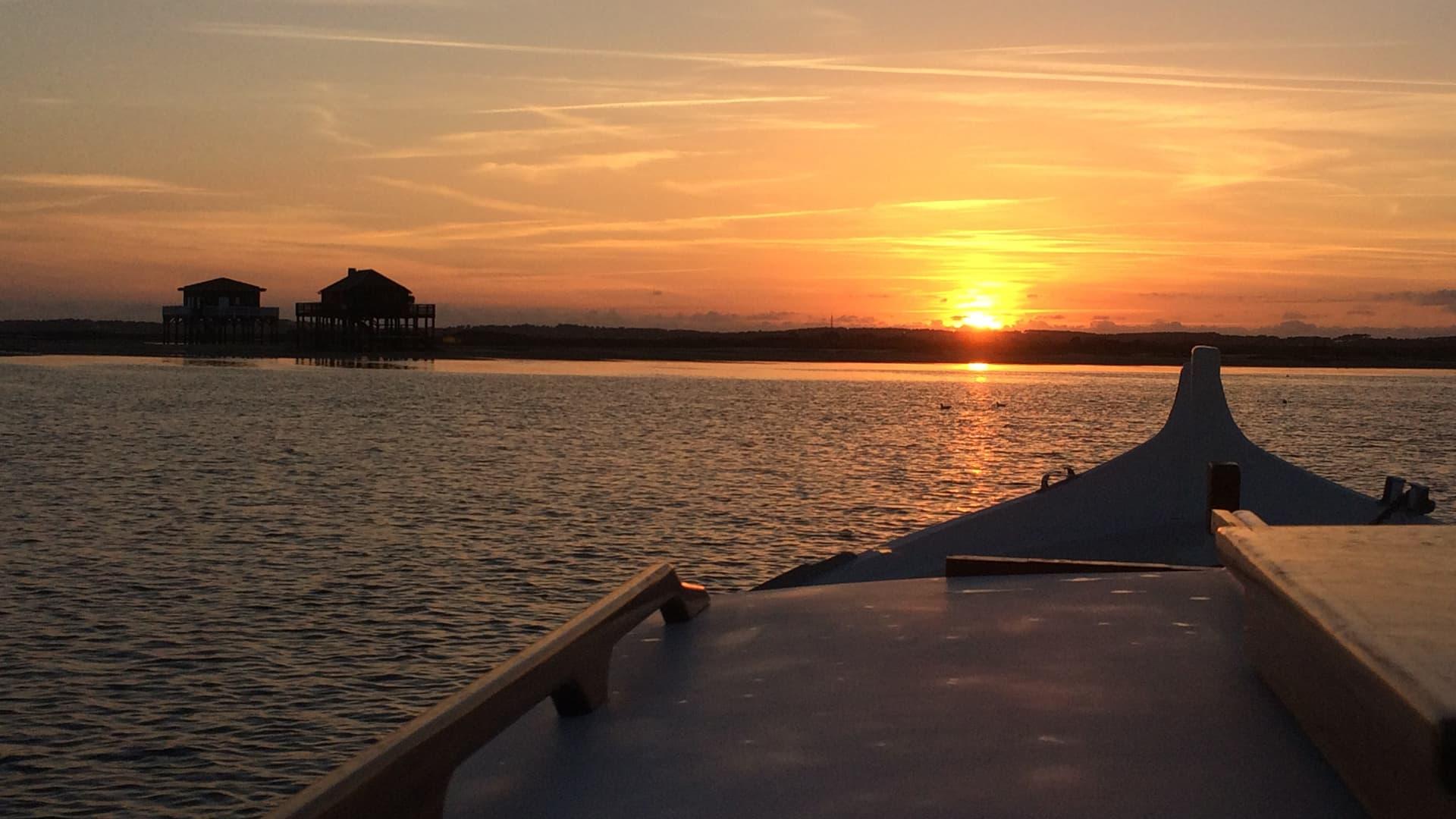 Balade en pinasse au coucher du soleil sur le bassin d'Arcachon
