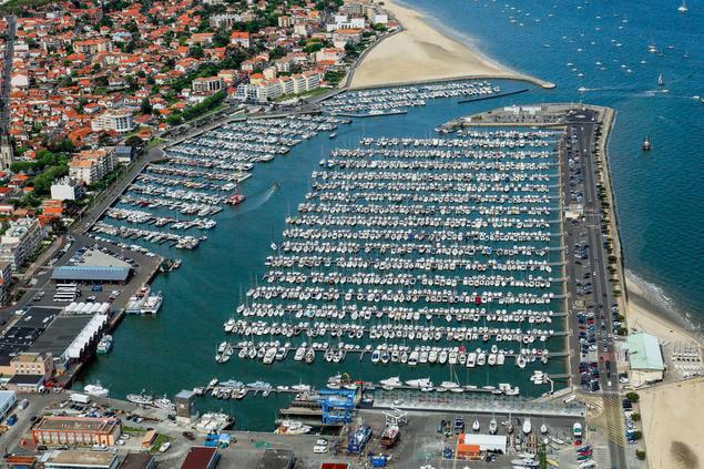 Vue aérienne du port de plaisance de Arcachon